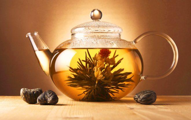 Цветок в чайнике