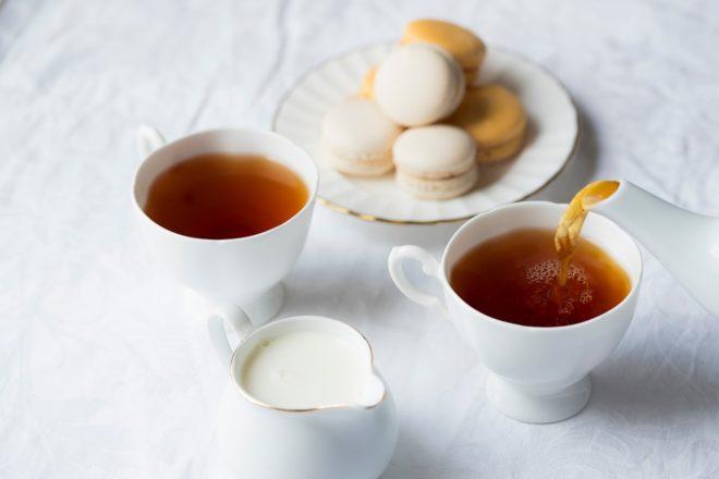 Чай и макаруны