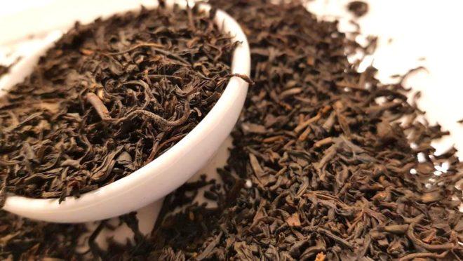 листья чая в пиале