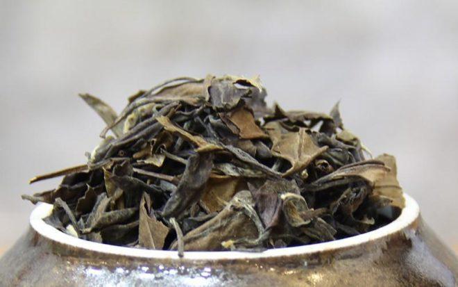 сухой чайный лист