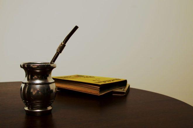 чаша и соломинка